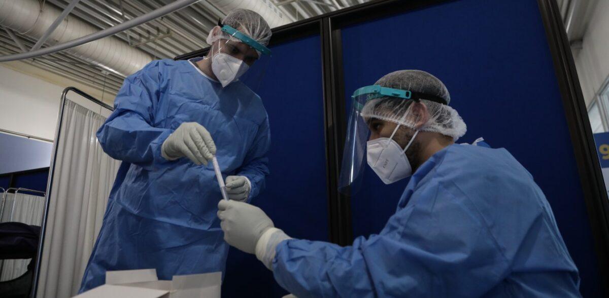 Έξαρση κρουσμάτων και όχι δεύτερο κύμα – Πιθανή η μάσκα σε εξωτερικούς χώρους