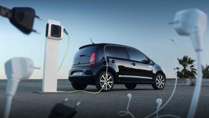 Ηλεκτρικά αυτοκίνητα: Τα βήματα για την αίτηση επιδότησης αγοράς – Πότε ανοίγει η πλατφόρμα