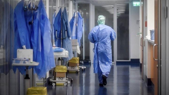 Κορονοϊός: Έπεσε στα 45 έτη η μέση ηλικία των κρουσμάτων