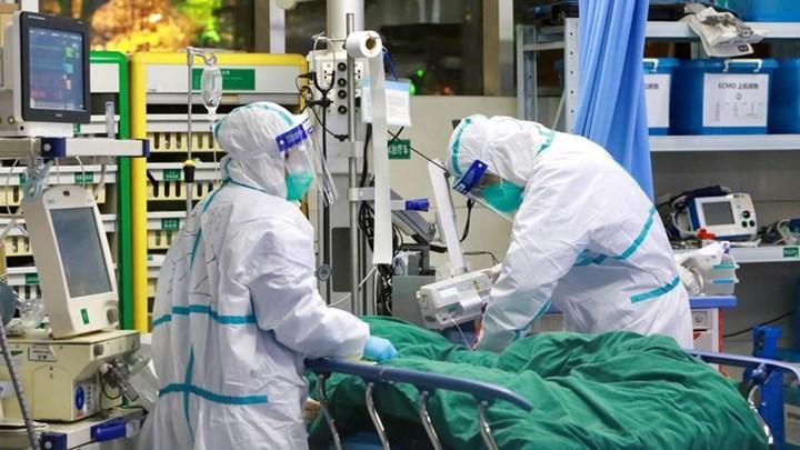 Κορονοϊός: Αποσωληνώθηκε η 27χρονη γιατρός – Σε σοβαρή κατάσταση αγγειοχειρουργός από την παρέα της