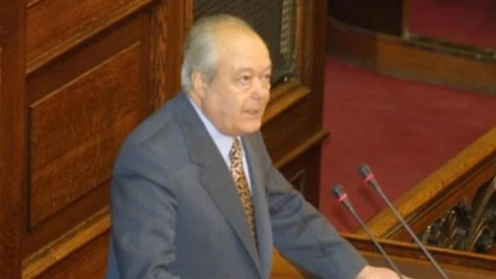 Πέθανε ο Νίκος Γκελεστάθης