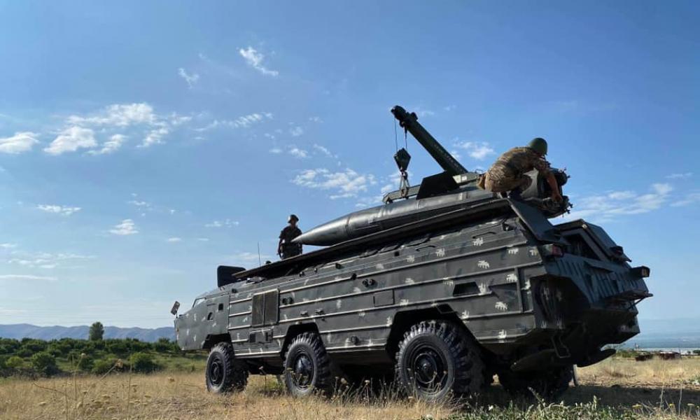 Σε συναγερμό οι ΕΔ της Αρμενίας: Πυραυλικά συστήματα παρατάσσονται στα σύνορα