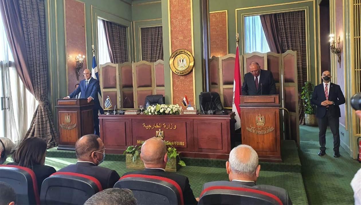 ΑΟΖ Ελλάδας Αιγύπτου: Δένδιας και Σούκρι υπέγραψαν τη συμφωνία