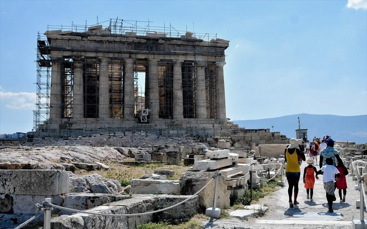 CNN: Γιατί η Ελλάδα είναι ίσως ο καλύτερος ταξιδιωτικός προορισμός αυτή τη στιγμή στην Ευρώπη