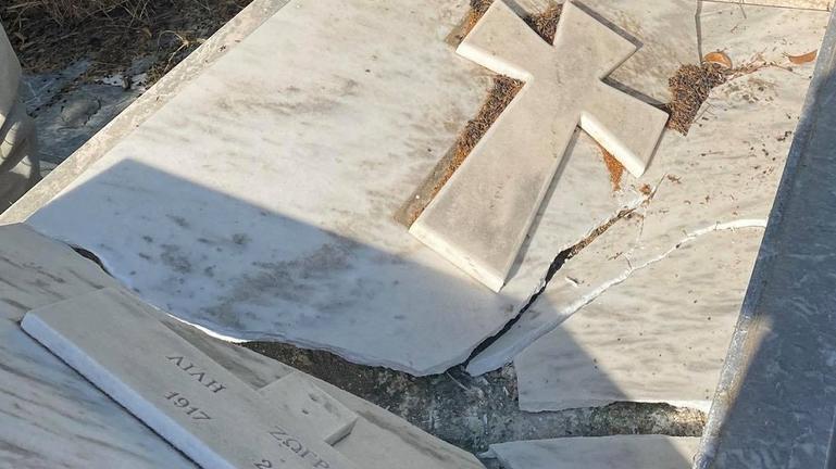 Βανδάλισαν τον τάφο της Λιλής Ζωγράφου!