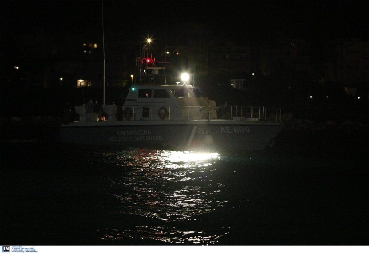 Κακοκαιρία-Λέσβος: Αγνοούνται τρεις ψαράδες – Ανατράπηκε το σκάφος τους – ΤΩΡΑ