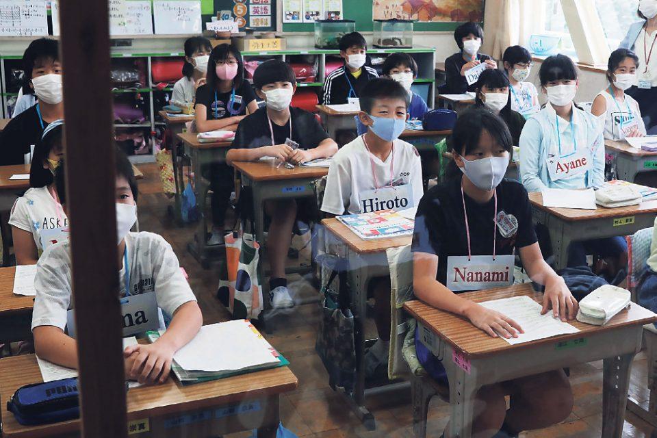Κορωνοϊός: Παγκόσμιος συναγερμός για το άνοιγμα των σχολείων – Πώς θα γυρίσουν στα θρανία 1,5 δισ. μαθητές