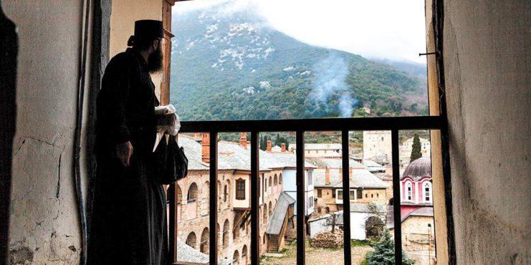 Κορονοϊός: Συναγερμός στο Άγιον Όρος