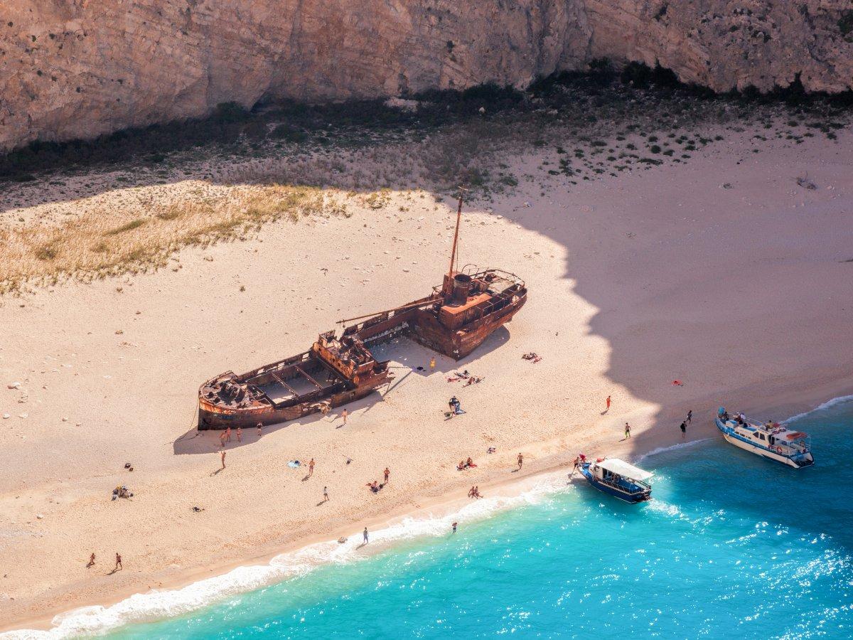 Το CNN «στάζει μέλι»: H Ελλάδα ο καλύτερος προορισμός για διακοπές αυτή τη στιγμή