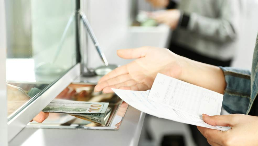 Αλλαγές στις τράπεζες: Τέλος σε αναλήψεις, καταθέσεις και πληρωμές στα γκισέ