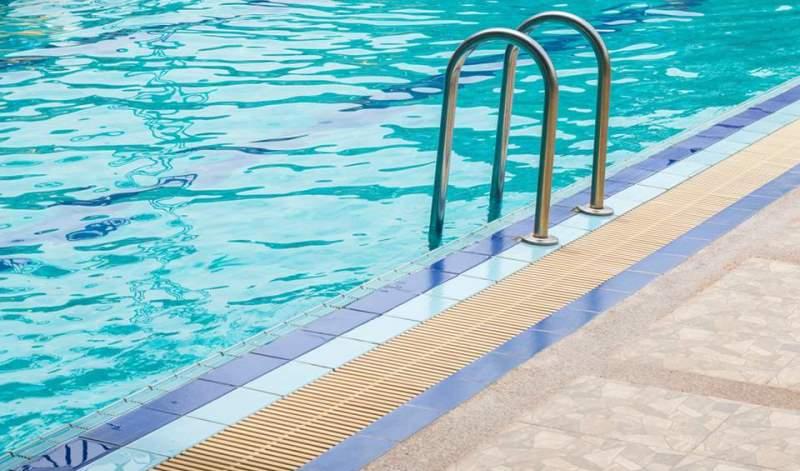 Θεσσαλονίκη: Φυλάκιση για τον αυνανισμό στην πισίνα με τις ανήλικες