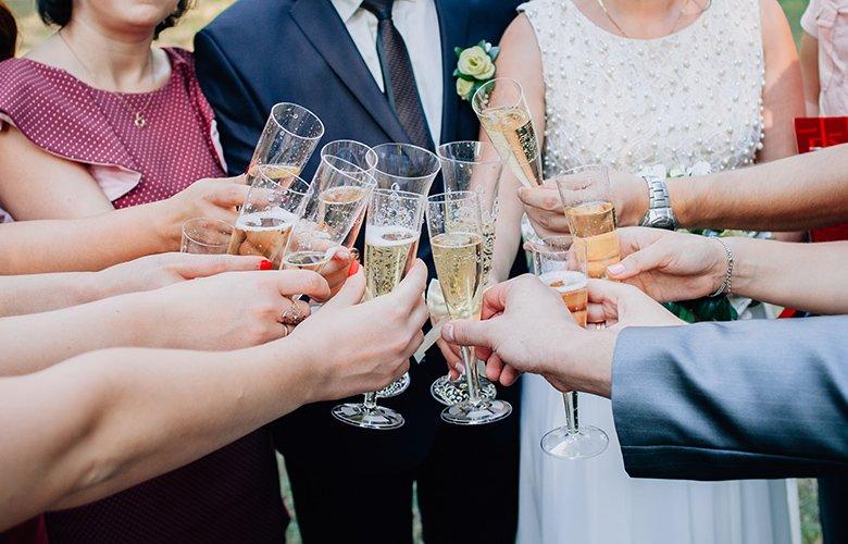 Συναγερμός από τον γάμο στην Αλεξανδρούπολη: 29 τα επιβεβαιωμένα κρούσματα