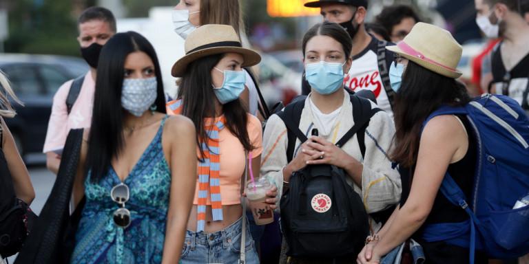 Κορωνοϊός: Τα δεδομένα που ανησυχούν τους ειδικούς -Η Αθήνα, η Θεσσαλονίκη, οι εκδρομείς και τα υπό διερεύνηση κρούσματα