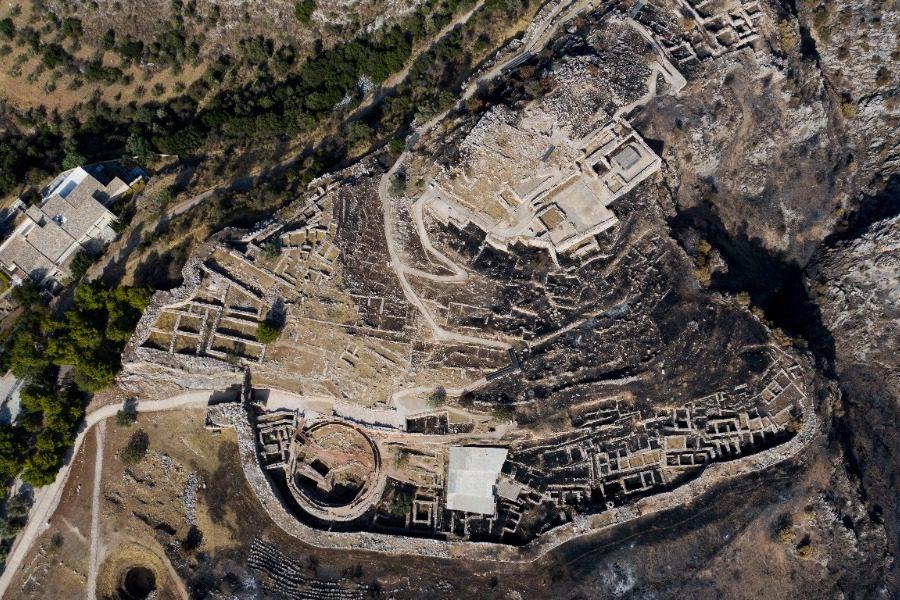 Μυκήνες: Πλάνα από drone του «πριν» και «μετά» την καταστροφική πυρκαγιά