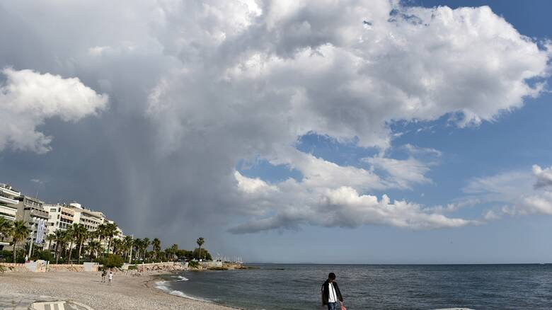 Καιρός: Έφυγε ο Ιανός, μένουν οι βροχές – Η πρόγνωση για τη Δευτέρα