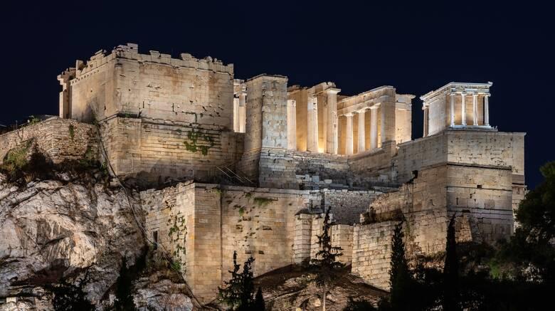 Δείτε live τον νέο φωτισμό της Ακρόπολης και τον χαιρετισμό του Μητσοτάκη