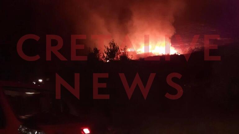 Οι φλόγες έκαναν τη νύχτα μέρα
