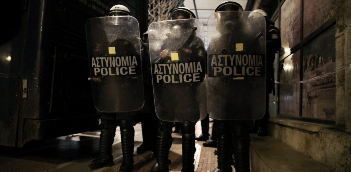 ΕΛ.ΑΣ.: Έρχονται κάμερες στις στολές και ντουντούκες στις διαδηλώσεις