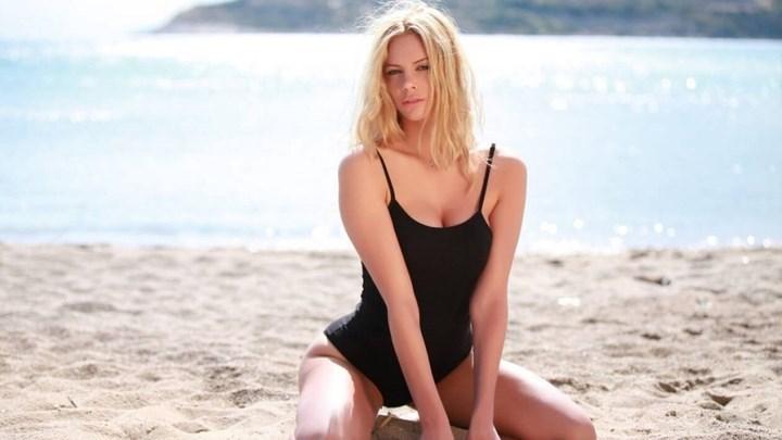 Ρία Αντωνίου: Αναπολεί το καλοκαίρι και προκαλεί… καύσωνα – ΦΩΤΟ