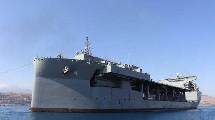 """Μόνιμα στη Σούδα το ελικοπτεροφόρο USS Hershel """"Woody"""" Williams – Δείτε το θηριώδες πολεμικό πλοίο"""