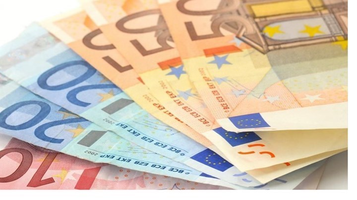Επίδομα 534 ευρώ: Πληρώνεται σήμερα σε 137.314 δικαιούχους – Ποιους αφορά