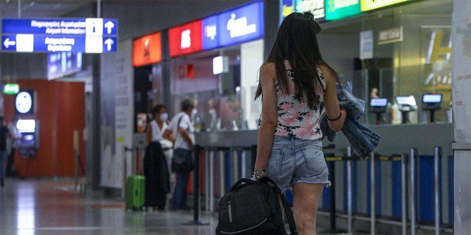 Κορωνοϊός: Μπλόκο σε πτήσεις από το εξωτερικό μελετά η κυβέρνηση – Ποιες χώρες είναι στο «κόκκινο»