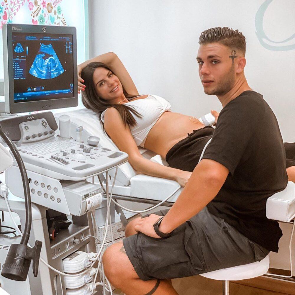 Ο Αλέξανδρος Κοψιάλης θα γίνει πατέρας – Έγκυος η Σοφία Φηρού (φωτογραφίες)