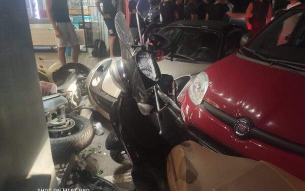 Κρήτη: Μπήκε στην καφετέρια … με το αυτοκίνητο μετά από καυγά