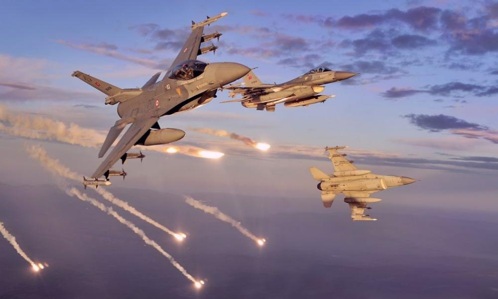 Τουρκικά F-16 βομβαρδίζουν θέσεις των Αρμενίων στο Ναγκόρνο-Καραμπάχ