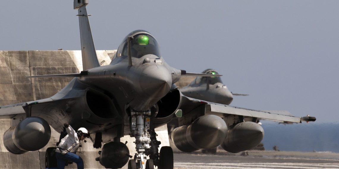 """Όταν ένα Rafale """"κλείδωσε"""" ένα F-22 – Ο θρίαμβος των γαλλικών ραντάρ (vid)"""