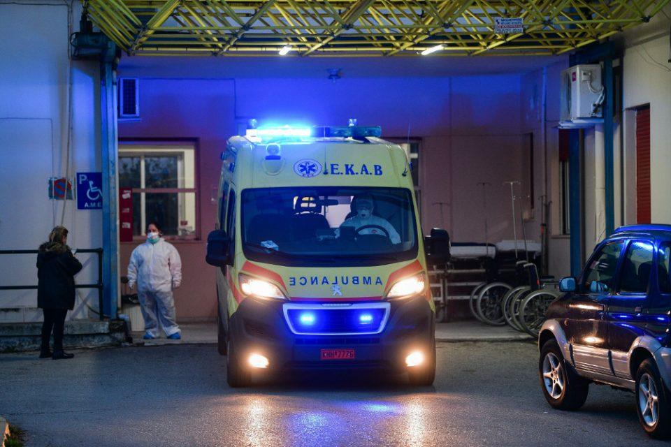 Σοβαρό τροχαίο στην Άνδρο: Οκτώ τραυματίες, 14χρονος διασωληνωμένος στο Παίδων και 22χρονη στη ΜΕΘ