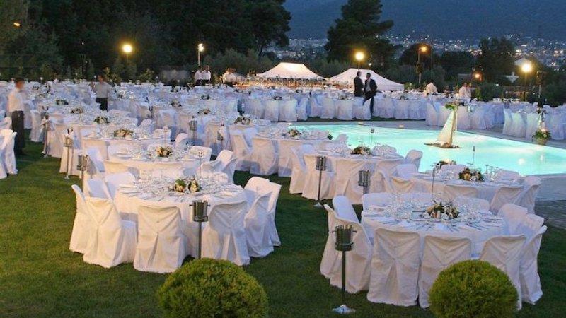 Κορωνοϊός: Πρόστιμο 30.000 ευρώ σε δύο άνδρες για διοργάνωση γάμου με υπεράριθμα άτομα