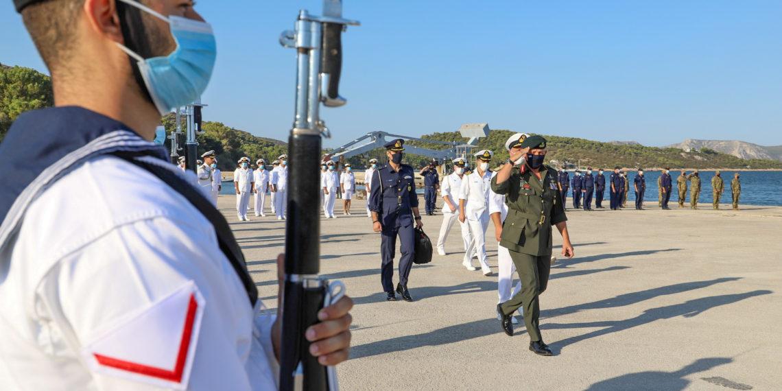 Οι Ένοπλες Δυνάμεις στέκονται δίπλα στο Λίβανο – Απέπλευσε για τη Βηρυτό το αρματαγωγό «ΙΚΑΡΙΑ»
