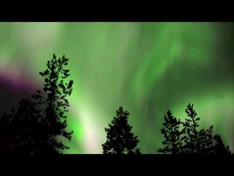 Μαγευτικά πλάνα: Το Βόρειο Σέλας φώτισε τον ουρανό στη Φινλανδία