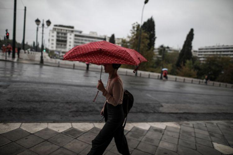 Κακοκαιρία: Ψυχρό μέτωπο φέρνει δυνατές βροχές και καταιγίδες –Ποιες περιοχές επηρεάζονται