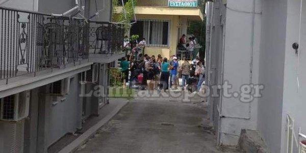 Καμένα Βούρλα: Άφιξη 100 προσφύγων – «Δεν είχαμε ενημερωθεί» λέει ο δήμαρχος