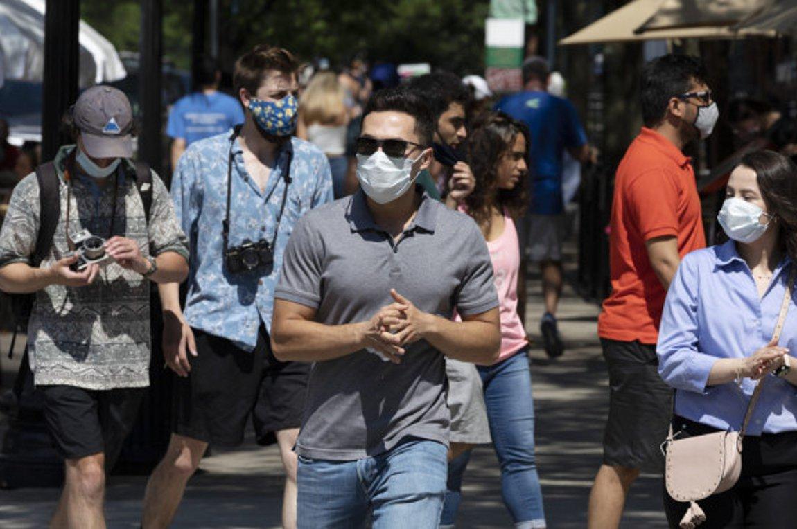 Κοροναϊός: Την καθολική χρήση μάσκας στην Αττική μελετά η κυβέρνηση
