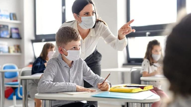 Αναστολή καθηκόντων για ανεμβολίαστους εκπαιδευτικούς χωρίς rapid- PCR τεστ ή βεβαίωση νόσησης
