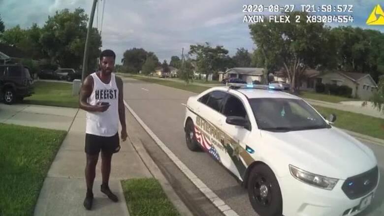 ΗΠΑ: Θεώρησαν μαύρο άνδρα ύποπτο για ληστεία – Μετά του… πρόσφεραν δουλειά