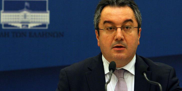 Μόσιαλος: Το κρίσιμο τετράμηνο στην Ελλάδα – Μόνο τότε νέο lockdown