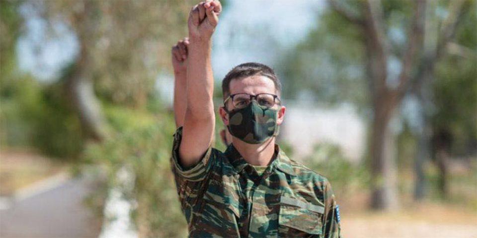 Ορκίστηκε στρατιώτης ο γιος του Κυριάκου Μητσοτάκη: «Πολύ υπερήφανος πατέρας», το μήνυμα του πρωθυπουργού
