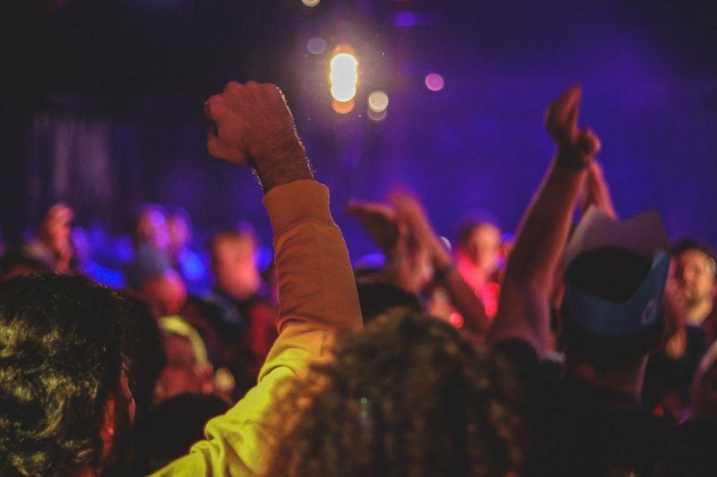 Γερμανία: Σε καραντίνα 950 άτομα που μετείχαν σε γιγάντιο κορόνα-πάρτι