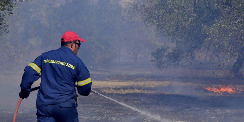 Συναγερμός στην Πυροσβεστική για φωτιά στην Παλλήνη