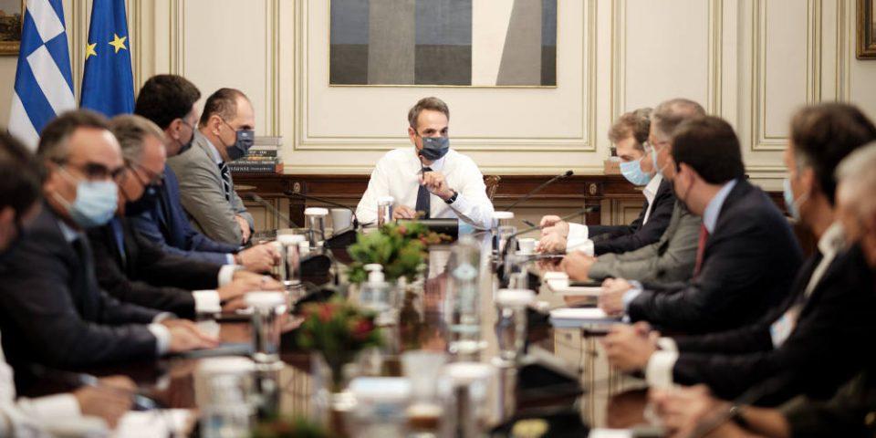 Πύρινη κόλαση στη Μόρια: Στη Λέσβο κυβερνητικό κλιμάκιο – Τι αποφασίστηκε στη σύσκεψη