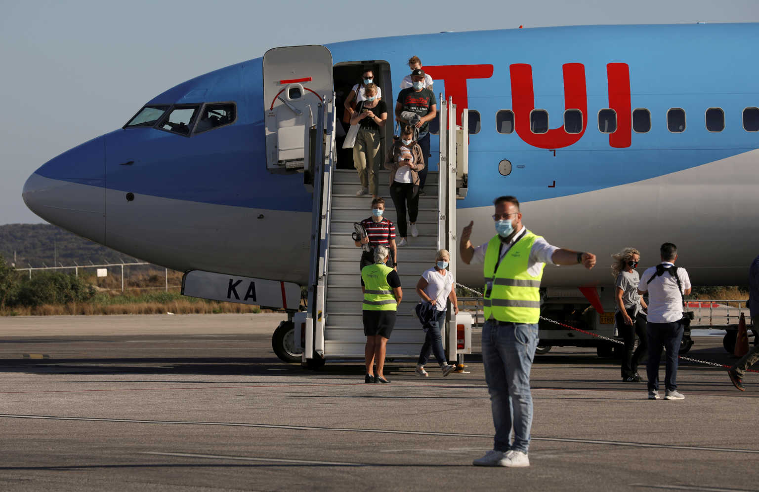 Λαγανάς τέλος από την TUI! – Πιέσεις στον Τζόνσον να μπει η Ελλάδα σε ταξιδιωτική καραντίνα