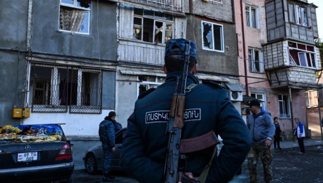 Οι Αζέροι βομβαρδίζουν το Στεπανεκέρτ στο Ναγκόρνο Καραμπάχ – Ετοιμάζονται για την τελική έφοδο