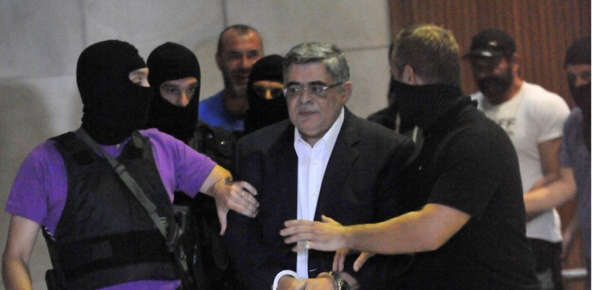 Δίκη Χρυσής Αυγής: Έτοιμο το σχέδιο στις φυλακές – Ο «εμφύλιος» χρυσαυγιτών έφερε έκτακτα μέτρα