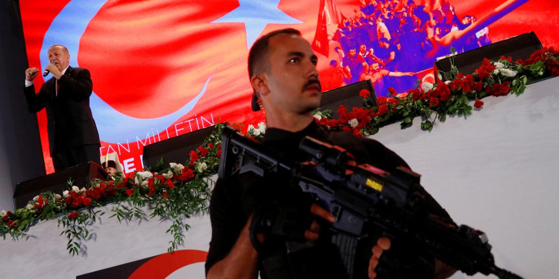 DW: Η τουρκική αντιπολίτευση ζητά πρόωρες εκλογές – Δημοσκοπική καθίζηση για τον Ερντογάν