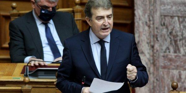 Επίθεση στον πρύτανη της ΑΣΟΕΕ – Παρέμβαση Χρυσοχοΐδη: «Οι δράστες θα επικηρυχθούν»