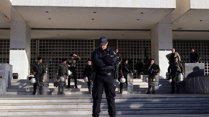 """""""Φρούριο"""" το Εφετείο για τη δίκη της Χρυσής Αυγής: 1.500 αστυνομικοί επί ποδός, ειδική διαδρομή για τους δικαστές"""
